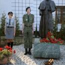 Warta przy pomniku Jana Pawła II w Józefowie