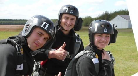 Skoki spadochronowe wedrowników