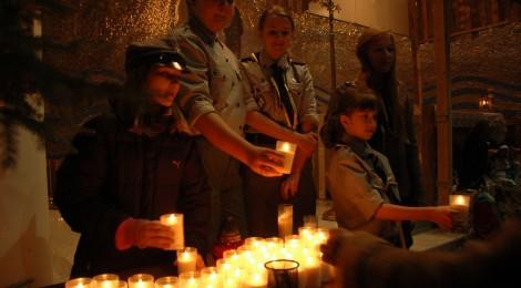 Betlejemskie Światło Pokoju w Józefowie – 23 grudnia 2012